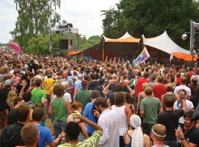 textile-bauten-fusion-festival-tentickle-strechtzelt (6)